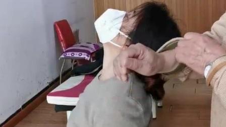 矫正颈椎椎体多节错位,一次复位。