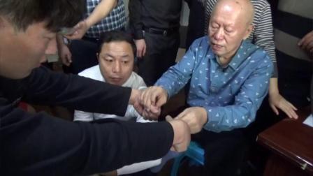 中医正骨推拿教学视频-黄炳荣手法治疗膝关节错位