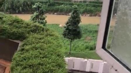 然然在马来西亚下雨的