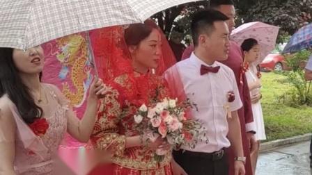 夏召龙迎娶新娘拜天他