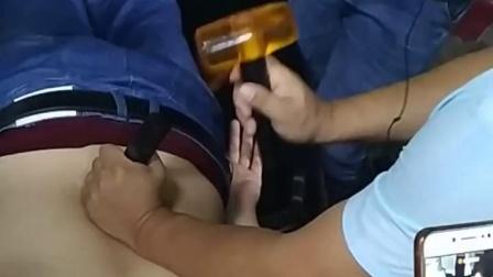 胡青耀平衡定骨连环锁治疗腰椎疼痛锤疗锤正手法课堂教学实操视频_超清