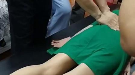 黄梅龙古法经络按摩点穴疏通膀胱经手法教学实操演示视频_超清