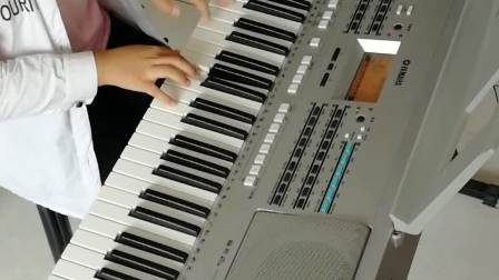 中国经典名曲《紫竹调》演奏者:三年级优秀学员于思齐。