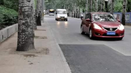 [日常]北京公交303路西闸方向画眉山路进站