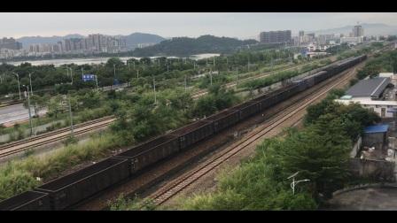(广茂线火车视频)DF4A 0733牵引41192次通过肇庆站