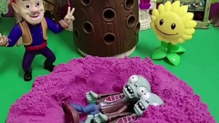 僵尸跑沙坑里玩,光头强把坑填起来