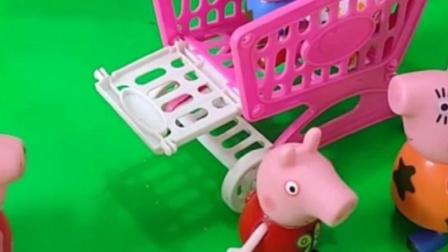 乔治想要佩奇姐姐推,猪奶奶看到会要帮忙吗,还不让佩奇帮忙吗?