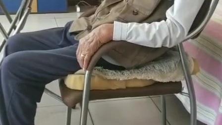 绛县雎村的老人正在睡觉