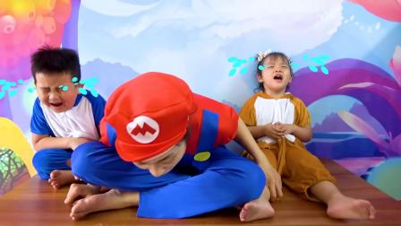 萌娃玩游戏:萌娃小可爱刷牙忘记关水,家里都被水淹了!萌娃:宝宝可不想游泳