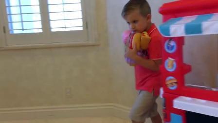 萌娃玩游戏:萌娃小可爱带着玩具们回家了,还给玩具们做了好吃的点心