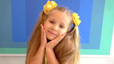 萌娃玩游戏:萌娃小可爱想要玩摇锤,小家伙不给玩,看我的厉害!