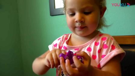 萌娃玩游戏:萌娃小可爱来学颜色,真是棒棒哒!萌娃:太简单了