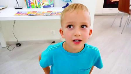 萌娃玩游戏:萌娃小可爱给妈妈做发型,小家伙的技术真是不错,看我的厉害啊!