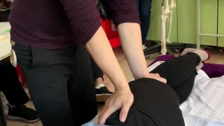 中医正骨推拿治疗骨盆修复手法讲解实操