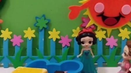白马王子将白雪公主赶出家门,自己转头去跟僵尸公主在一起,白雪嚎啕大哭