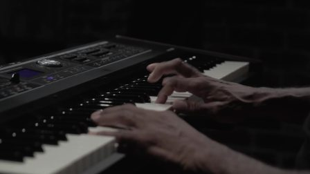 Roland  VR-730 Live Performance Keyboard Vintage Electric Piano Sound Preview