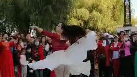 美女维吾尔族舞蹈精彩视频2020-9-13