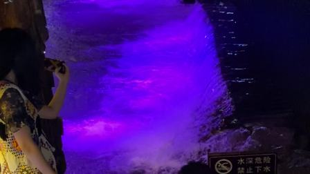 千户苗寨,夜晚,第4号风雨桥,水