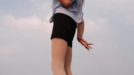 阿文樂樂广场舞、竖屏《前面那个姑娘》DJ版、张挥演唱