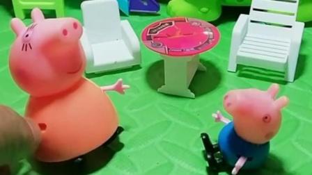 乔治放学回家休息,猪妈妈怎么还不做饭呢,要等猪爸爸一起出来?
