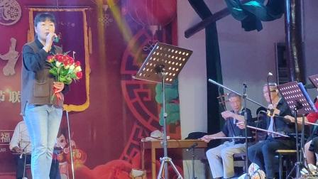 浦江婺剧周日群胡秋芳在浦南文化礼堂演唱《红梅满园香》