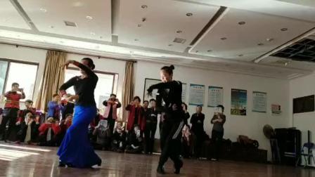 傣族舞:我爱你勐巴拉娜西(正面)