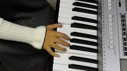 《洋娃娃之梦》演奏者:四年级优秀学员武雨润