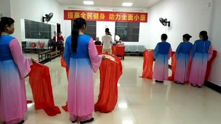 连平县老体协歌舞表演