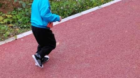 长大了,太能跑了。😁