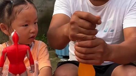 亲子游戏:妹妹想要喝爸爸的饮料