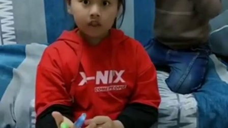 童年趣事:姐姐吃手指糖,怎么一转眼没了呢?