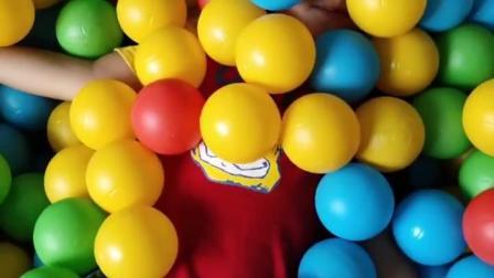 童年趣事:玩一个捉迷藏呀