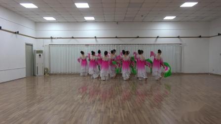 舞蹈《微山湖》高二社区舞蹈队