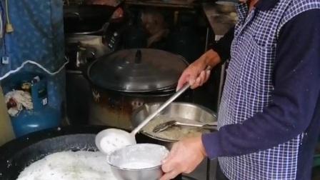 建瓯特色小吃2  吃锅巴  配小鹅茶