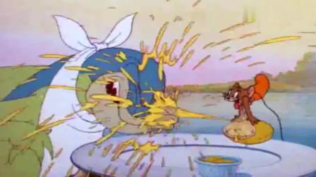 猫和老鼠;杰瑞被当鱼饵,不忍被吃,用柠檬反击