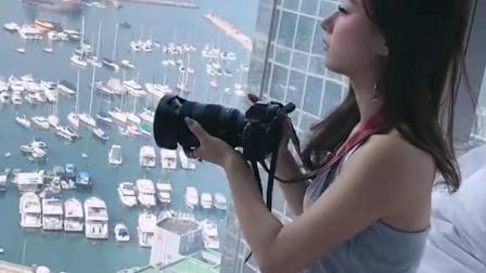 带女友出来旅游,她却只顾着拍照不理我,该怎么办?