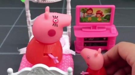 佩奇说乔治不见了,猪妈妈找警察叔叔帮忙,小猪佩奇很担心弟弟