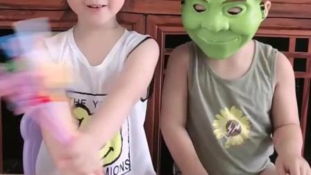 少儿益智:小朋友这是戴的是什么面具啊