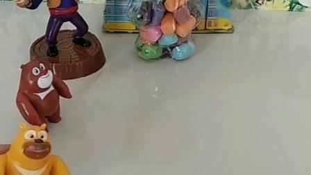 小猪佩奇乔治的拼图少了,佩奇乔治去找,发现被熊大熊二拿走