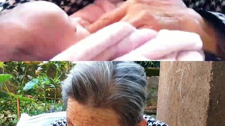 【最幸福的人】-八十三岁老祖奶为出生不久双胞胎曾孙女织毛衣