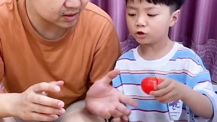 趣味童年:哥哥的水果都是假的