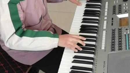 电子琴考级经典作品《八月桂花香遍地香》演奏者 刘佳鑫