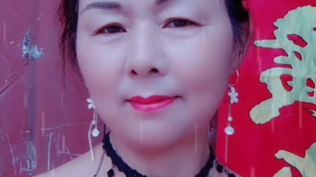 南阳红泥湾小娟广场舞《爹娘的恩情还不够》唱出了多少人的心声