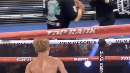 拳击不需要很复杂,简单技术的重复训练很重要  圣明拳击