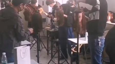 北京国际标榜美容美发学校 北京美发学校 美发学习中 剪发学习时间