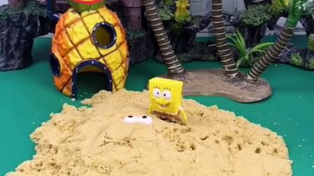 海绵宝宝要去汉堡店上班,路上发现了有人在看他,沙子里藏了什么