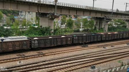 23025次货运列车