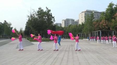 中国🇨🇳淄江美快乐舞步健身操扇子舞《欢乐中国年》表演者:张芳华、李淑云、贾桂香、王秀真。