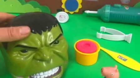 有趣益智宝宝早教:乔治会做牙齿的