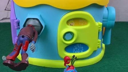 僵尸想偷汉堡被卡住了,蟹老板教训了他